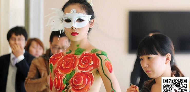 人体彩绘–玫瑰花手绘